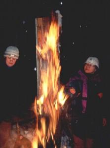 Сауле и Алексей пошли с ним, мы с Ольгой остались в лагере